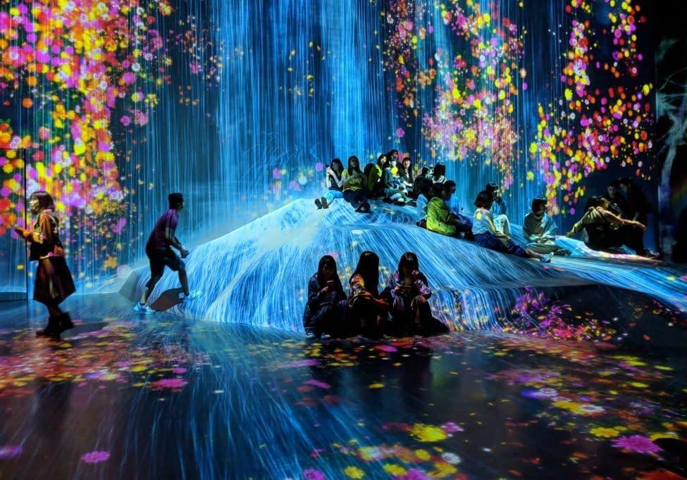 interactive-display-at-the-teamlabs-digital-art-museum-in-tokyo_t20_3g2nVN